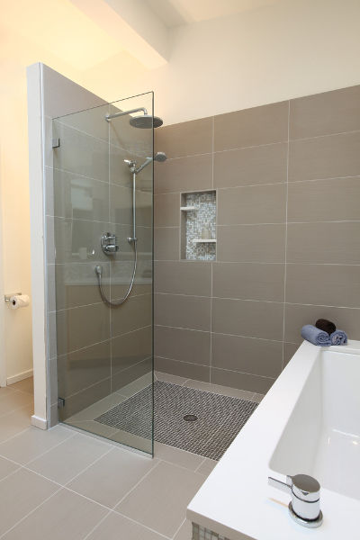 modern shower design with glass shower doors