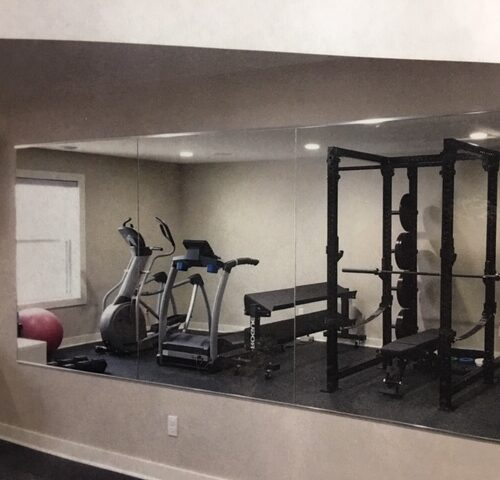 mirrored wall for home gym